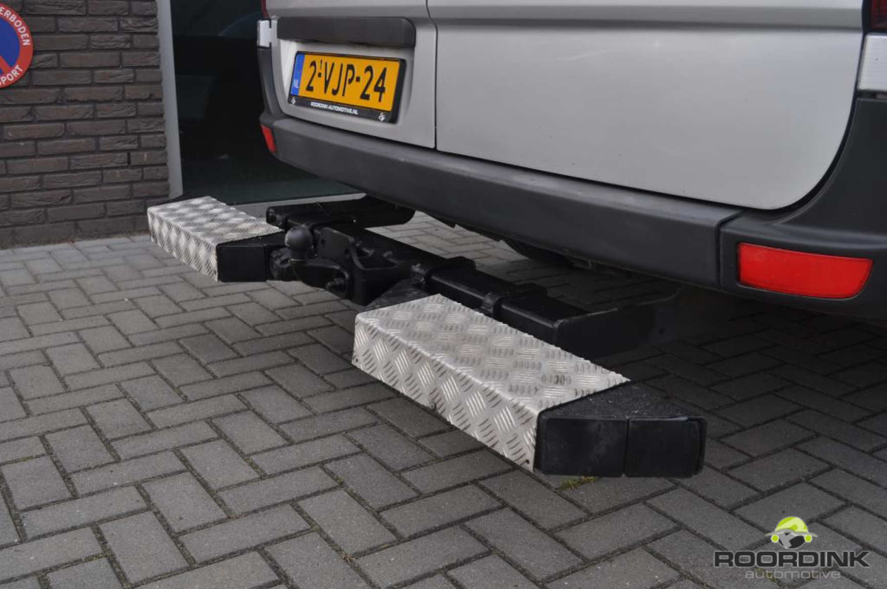 Mercedes-Benz-Sprinter-18
