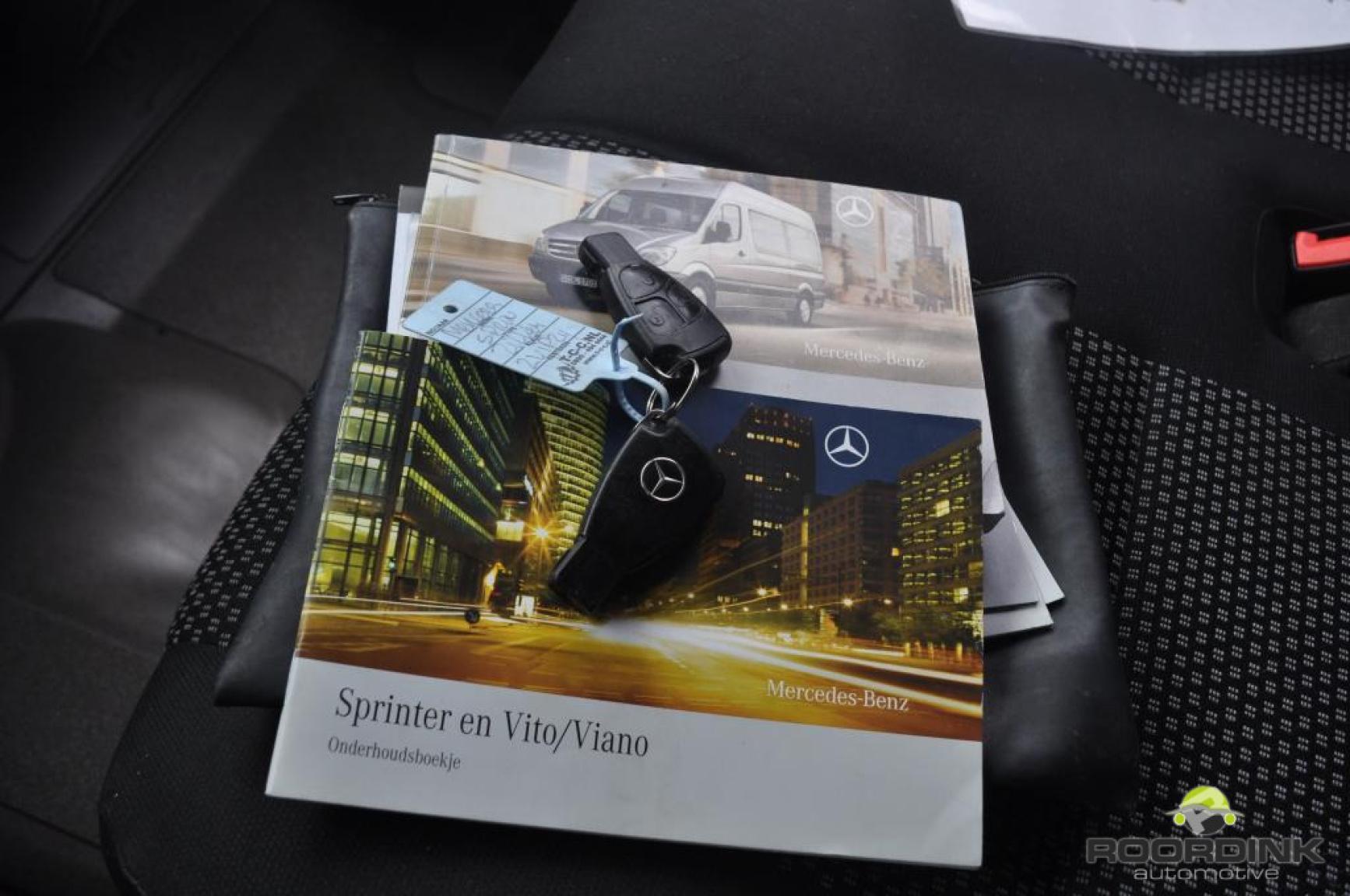 Mercedes-Benz-Sprinter-8