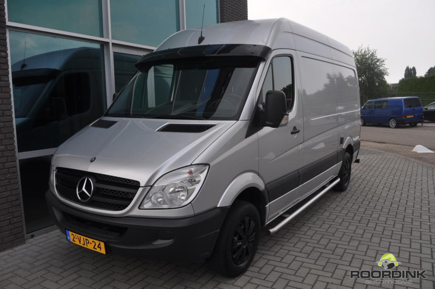 Mercedes-Benz-Sprinter-6