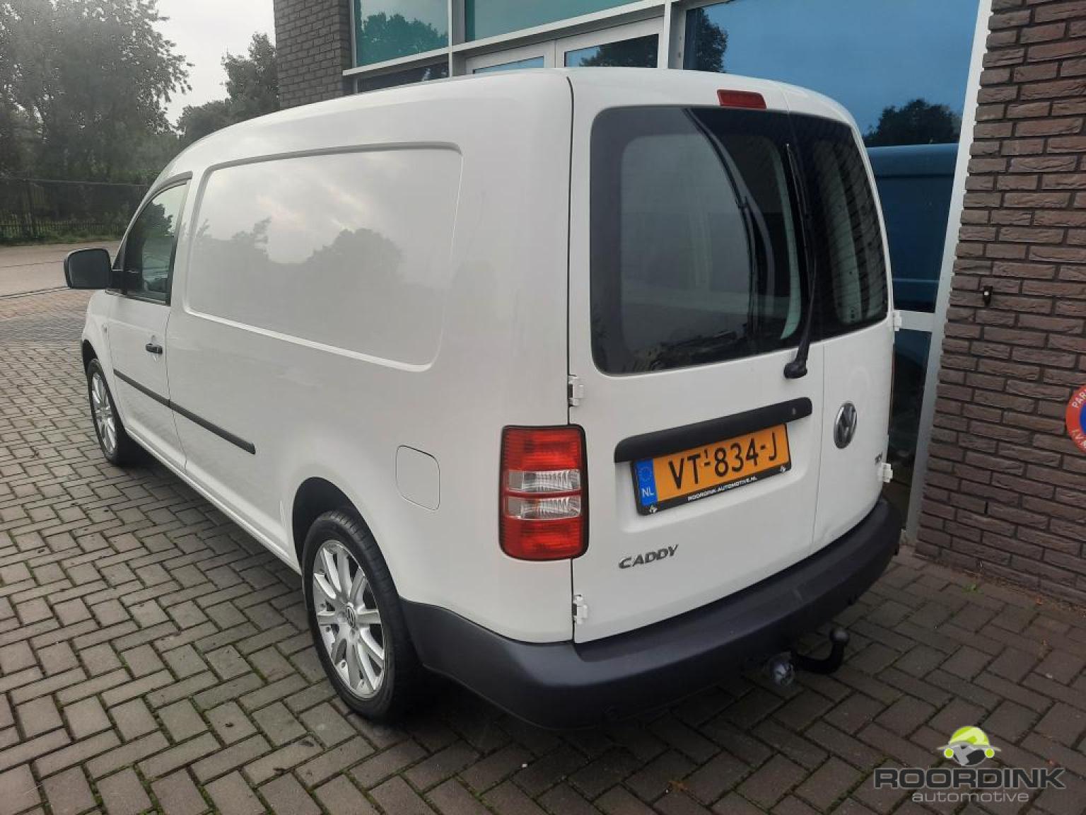 Volkswagen-Caddy Maxi-2