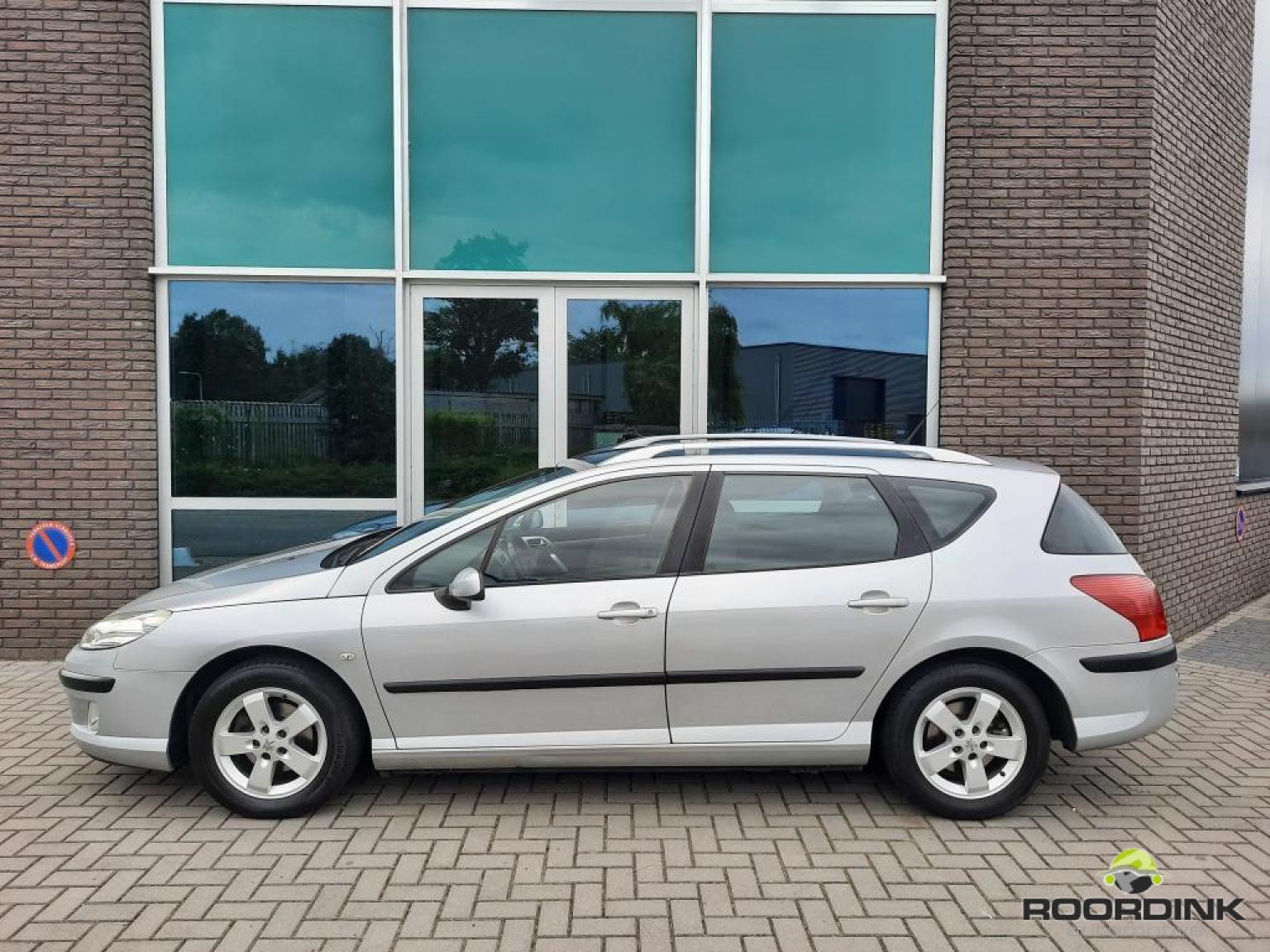 Peugeot-407-1