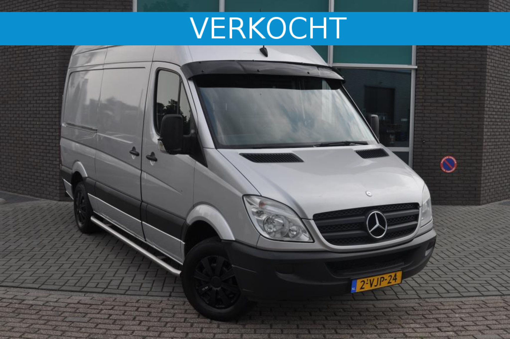 Mercedes-Benz-Sprinter-0