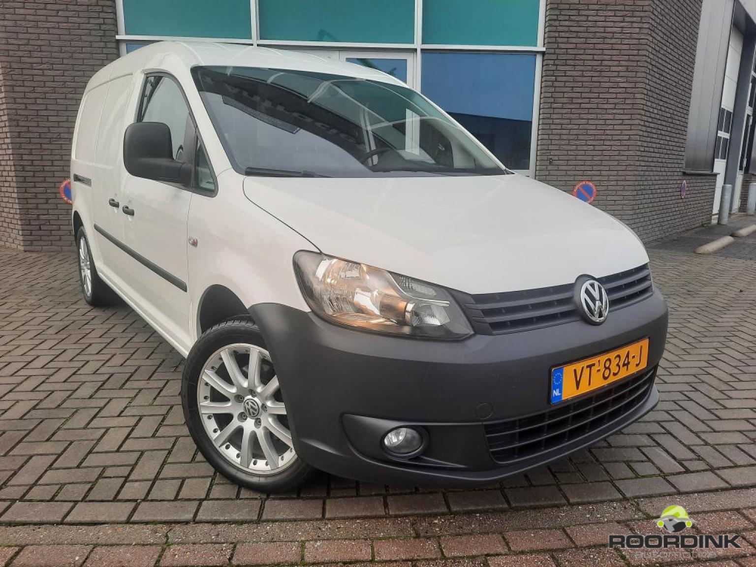 Volkswagen-Caddy Maxi-0