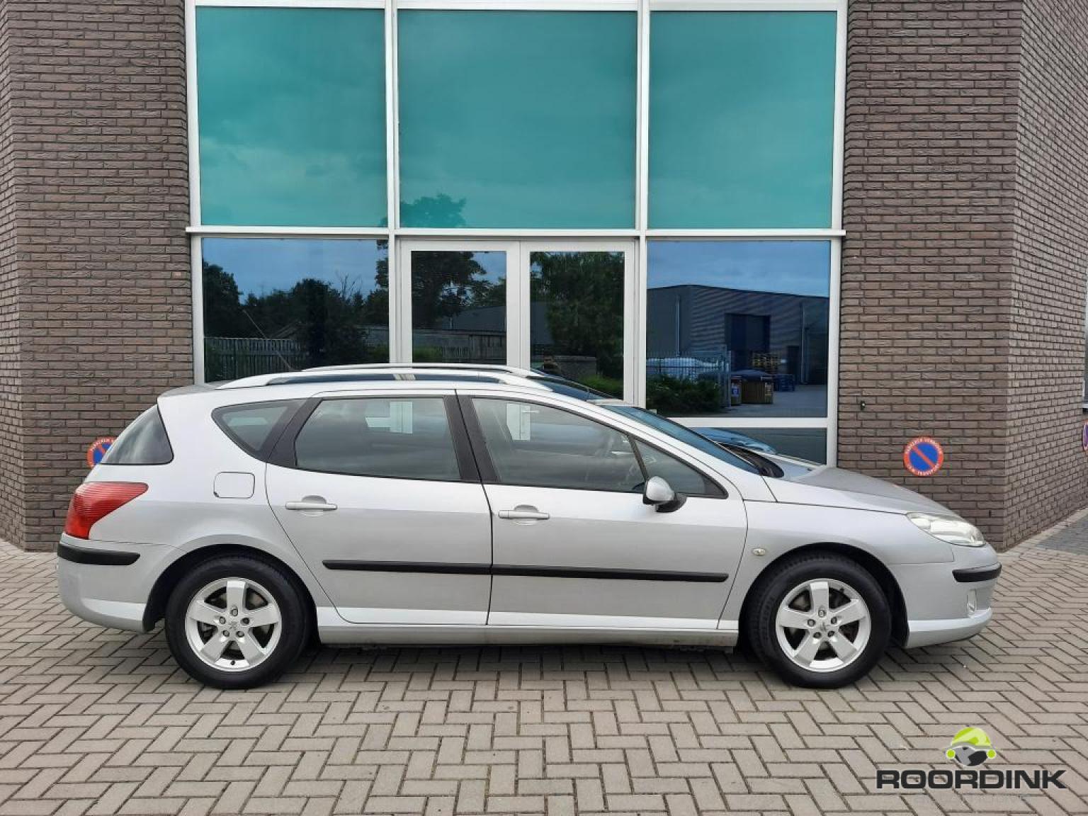 Peugeot-407-4